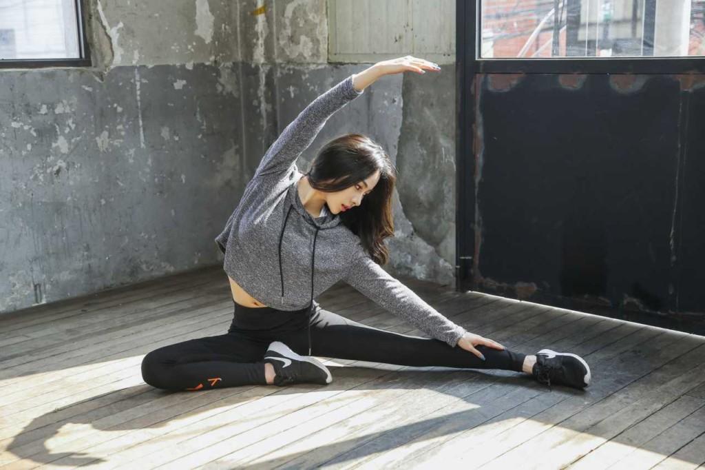 股関節ストレッチの方法